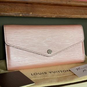 Louis Vuitton Sarah Wallet - Rose Nacre Epi